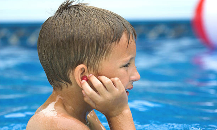 How Triage Nurses Help Patients and Doctors with Common Health Concerns – Swimmers Ear